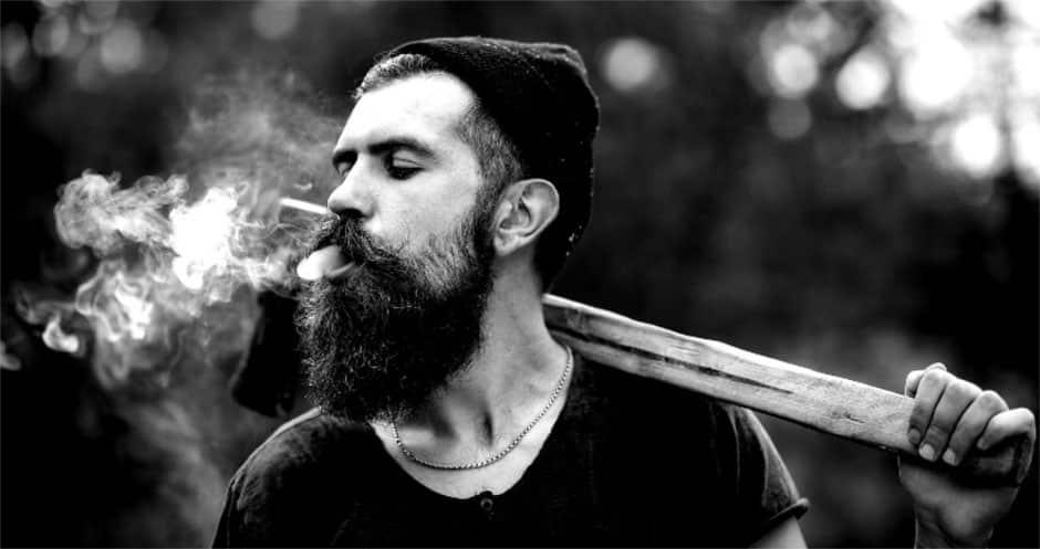 8 Tipps für mehr Bartwuchs - Bärtiger Mann