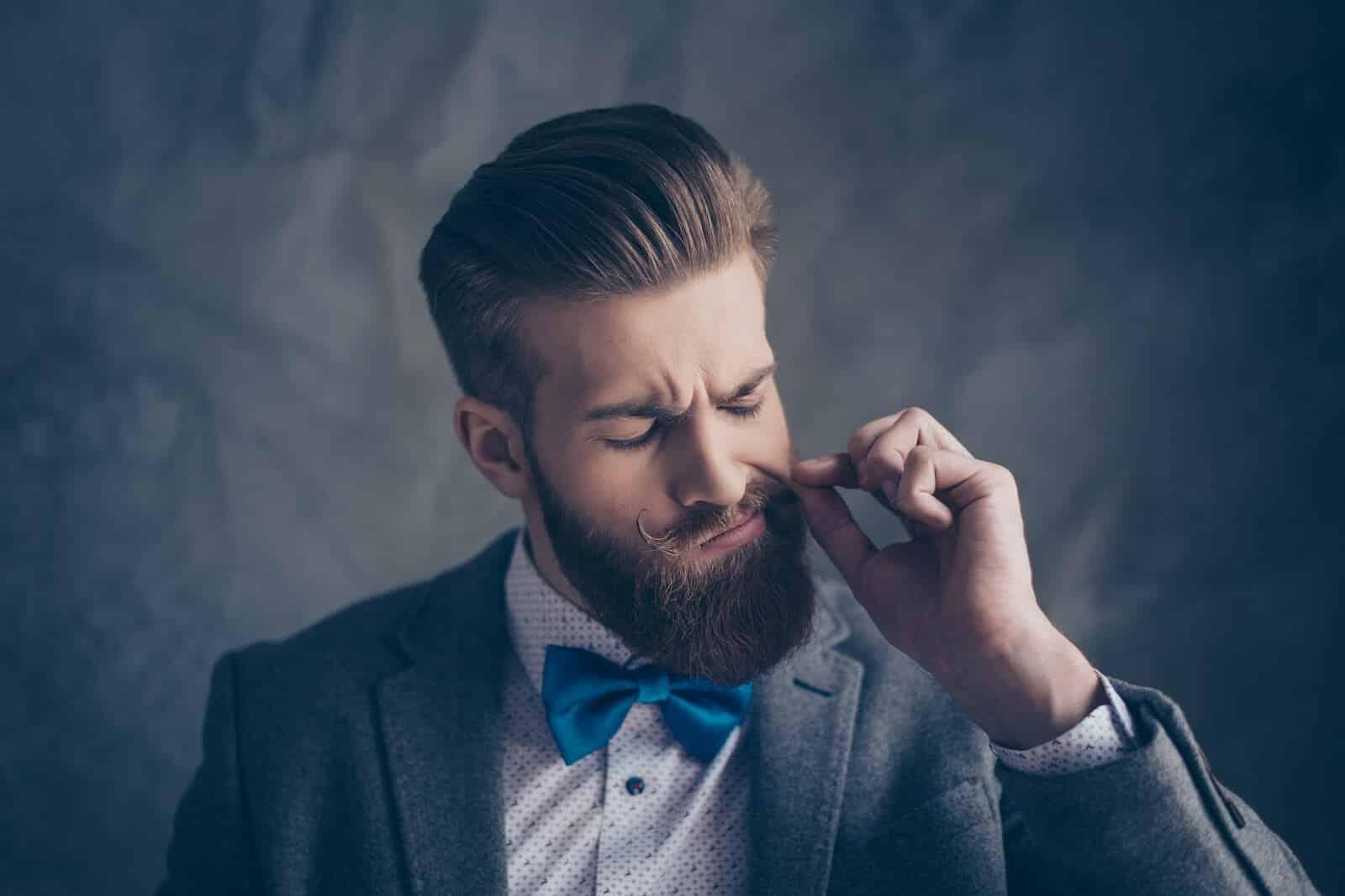 Gepflegter Mann mit Vollbart Style