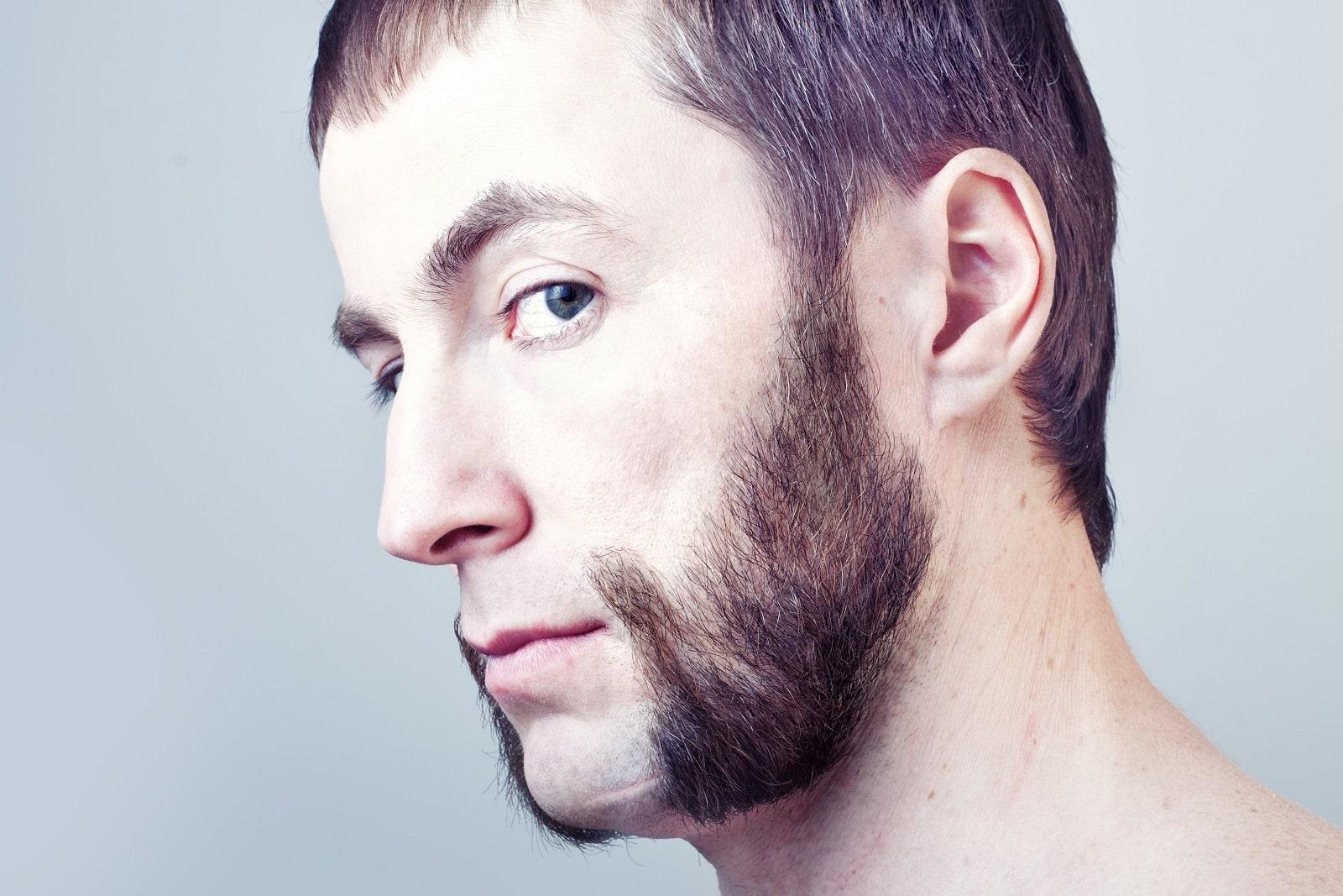 Mann mit einem Backenbart, Whiskery oder Sideburns genannt